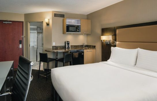 Zimmer Holiday Inn & Suites VANCOUVER DOWNTOWN