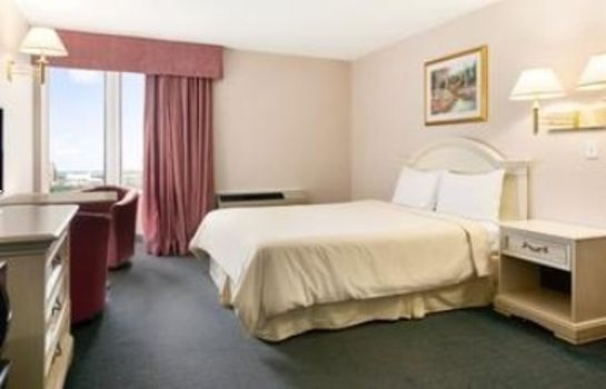 Zimmer TRAVELODGE HOTEL NIAGARA FALLS