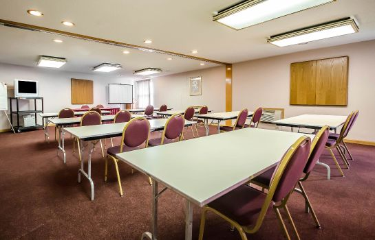 Conference room Clarion Inn & Suites Evansville