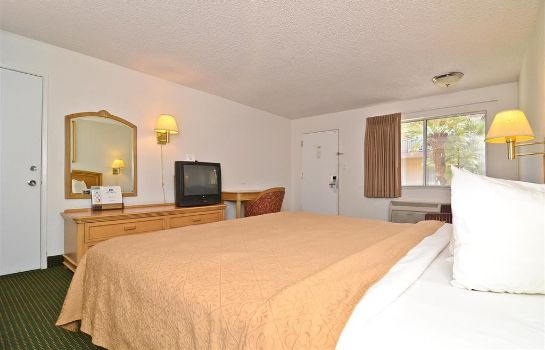 Room Americas Best Value Inn Merced