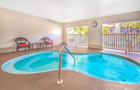 Whirlpool La Quinta Inn by Wyndham Clearwater Central