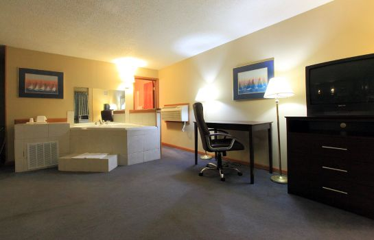 Suite Americas Best Value Inn Newton