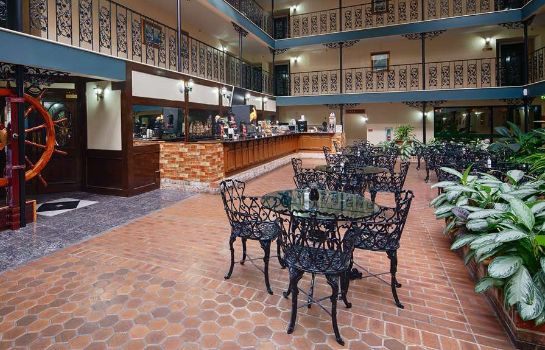 Restaurant SURE STAY PLUS HOTEL BY BW BATON ROUGE
