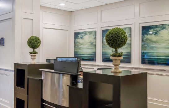 Hol hotelowy an Ascend Hotel Collection Member Grand Hilton Head Inn