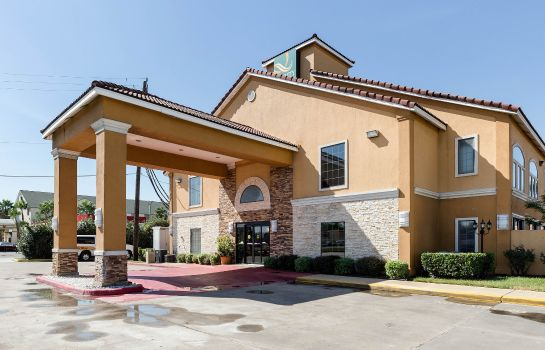 Vista exterior Quality Inn and Suites