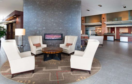 Lobby DoubleTree by Hilton Hotel and Suites Charleston Airport
