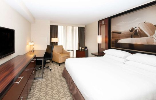 Room DoubleTree by Hilton Hotel and Suites Charleston Airport