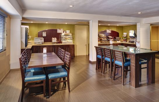 Restaurant Holiday Inn Express SAN DIEGO SOUTH-NATIONAL CITY
