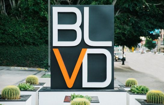 Photo BLVD Hotel & Suites