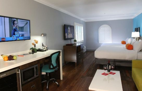 Information BLVD Hotel & Suites-Walking Distance to Hollywood Walk of Fame