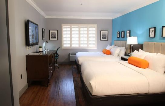 Info BLVD Hotel & Suites-Walking Distance to Hollywood Walk of Fame