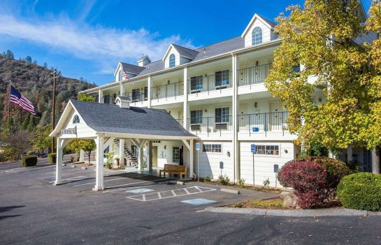Buitenaanzicht Comfort Inn Yosemite Valley Gateway