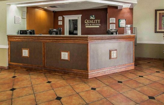 Hotelhalle Quality Inn and Suites Airport/Cruise Po