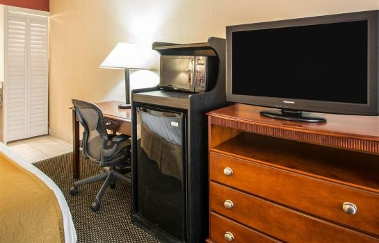 Suite Quality Inn and Suites Airport/Cruise Po
