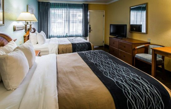 Zimmer Quality Inn & Suites Port Canaveral Area