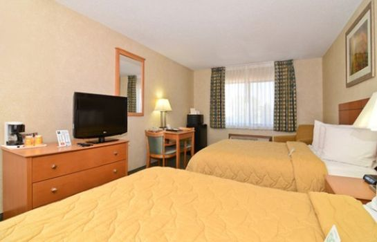 Info Quality Inn at Collins Road - Cedar Rapi