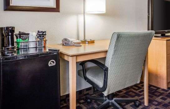 Zimmer Quality Inn & Suites Des Moines Airport