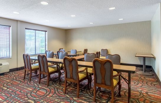 Conference room Comfort Inn East Comfort Inn East