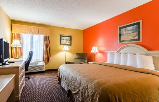 Zimmer Quality Inn & Suites Manhattan