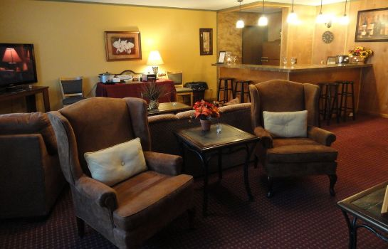 Hotelhal Fireside Inn & Suites