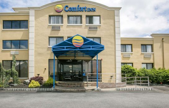 Außenansicht Comfort Inn Edgewater on Hudson River