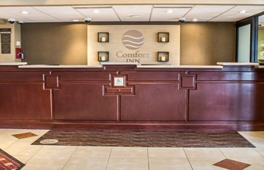 Lobby Comfort Inn North Conference Center