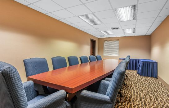 Conference room Comfort Inn Cleveland Airport
