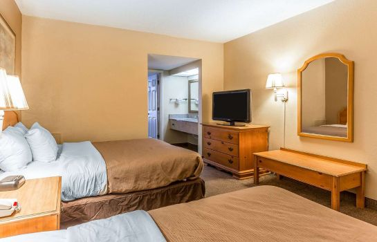 Suite Econo Lodge Inn & Suites Beach Front Central