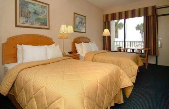 Zimmer Econo Lodge Inn & Suites Beach Front Central