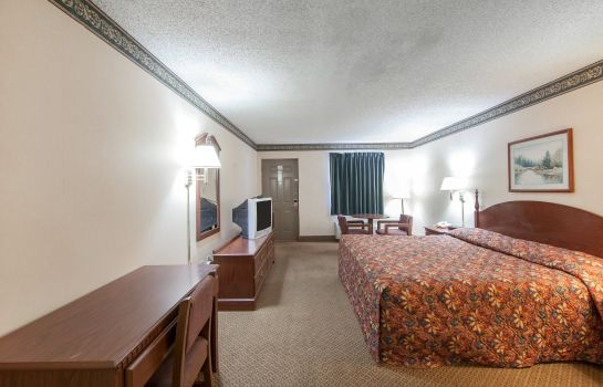 Camera Econo Lodge Inn & Suites East
