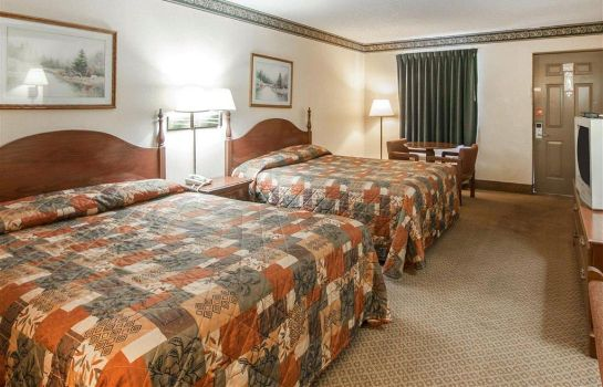 Room Econo Lodge Inn and Suites East