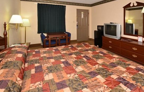 Zimmer Econo Lodge Inn & Suites East