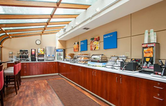 info Comfort Inn and Suites Sea-Tac Airport