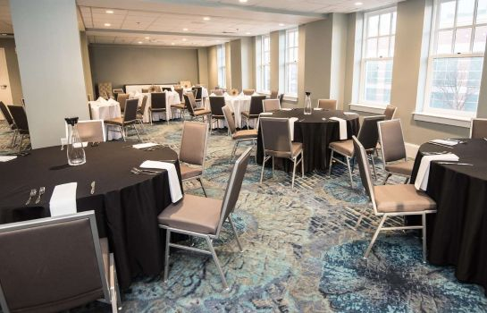 Sala de reuniones Redmont Hotel Birmingham Curio Collection by Hilton