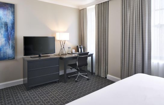 Chambre Redmont Hotel Birmingham Curio Collection by Hilton