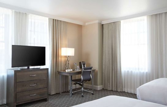 Zimmer Redmont Hotel Birmingham Curio Collection by Hilton