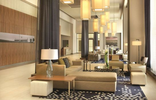 Lobby DoubleTree by Hilton Cedar Rapids Convention Complex