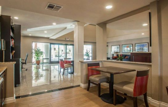 Restaurant Comfort Suites Huntington Beach