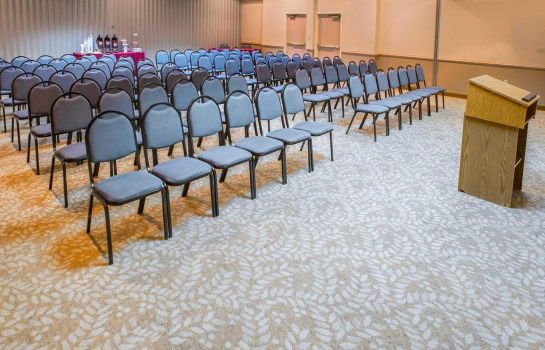Conference room Comfort Suites University Area