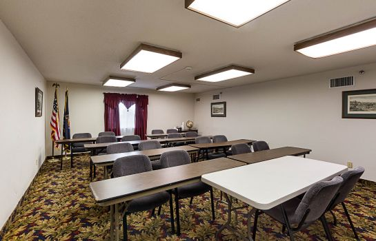 Conference room Quality Suites Wichita
