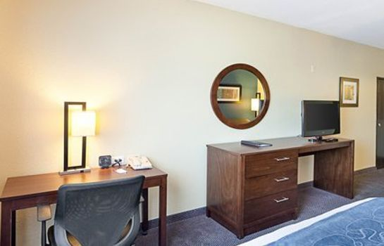 Suite Comfort Suites Airport North