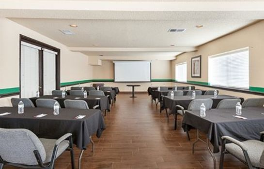 Conference room Comfort Suites Airport North