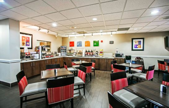 Restaurant Comfort Suites Willowbrook