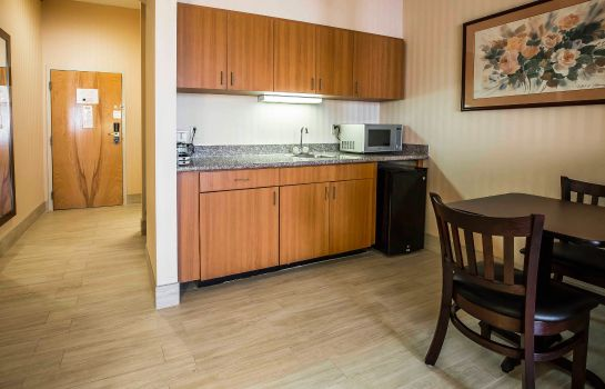 Kamers Comfort Suites Stafford Near Sugarland