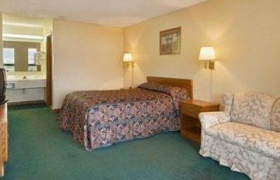 Zimmer Days Inn by Wyndham Columbia NE Fort Jackson
