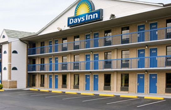 Außenansicht Days Inn by Wyndham Charlotte Northlake
