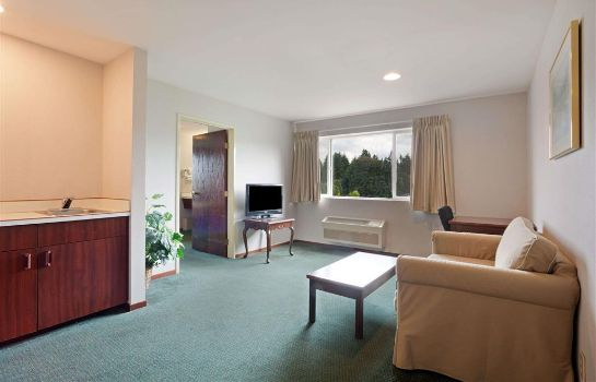 Suite DAYS INN SEATAC AIRPORT