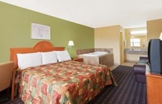 Suite DAYS INN DOWNTOWN-NASHVILLE WE