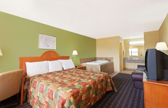 Suite DAYS INN DOWNTOWN-NASHVILLE