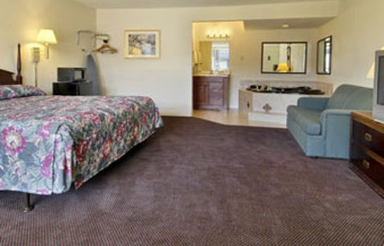 Zimmer DAYS INN BY WYNDHAM OKLAHOMA C